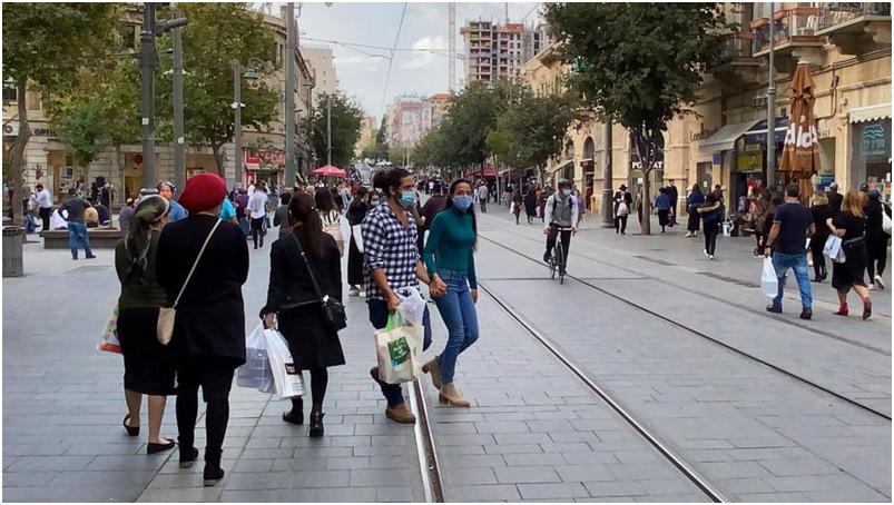 Israel levanta la mayoría de sus restricciones del COVID-19